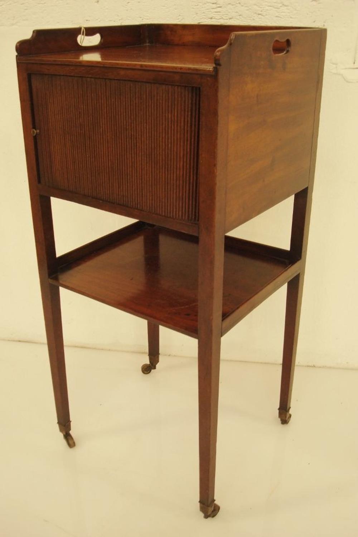 Geo III mahogany bedside cabinet