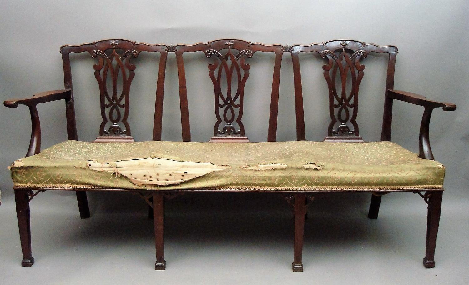 Georgian carved mahogany chair back settee