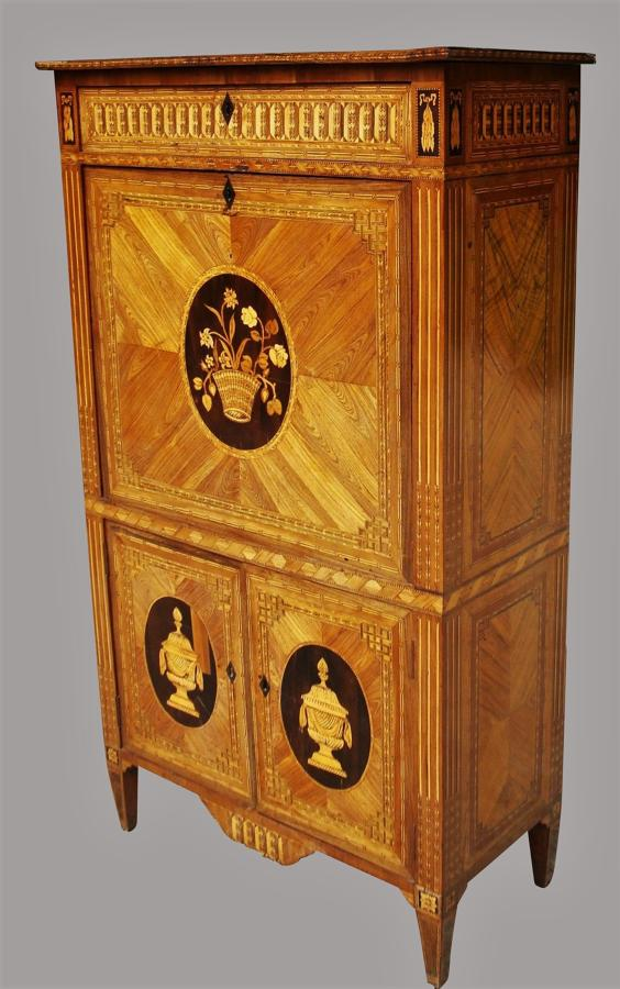 C18th Italian Kingwood Secretaire Abbatant