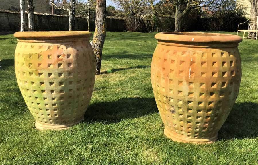 Early C20th large pair of Italian terracotta pots / urns