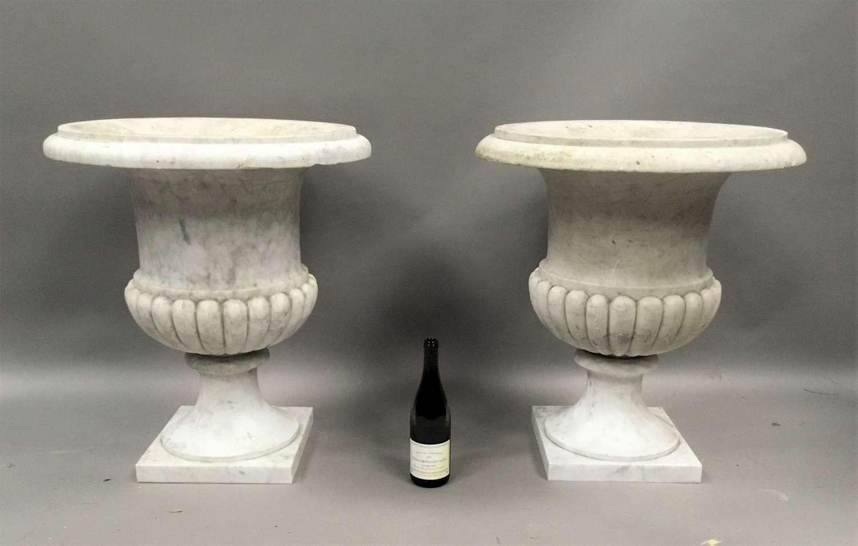An impressive C19th pair of carrara marble urns