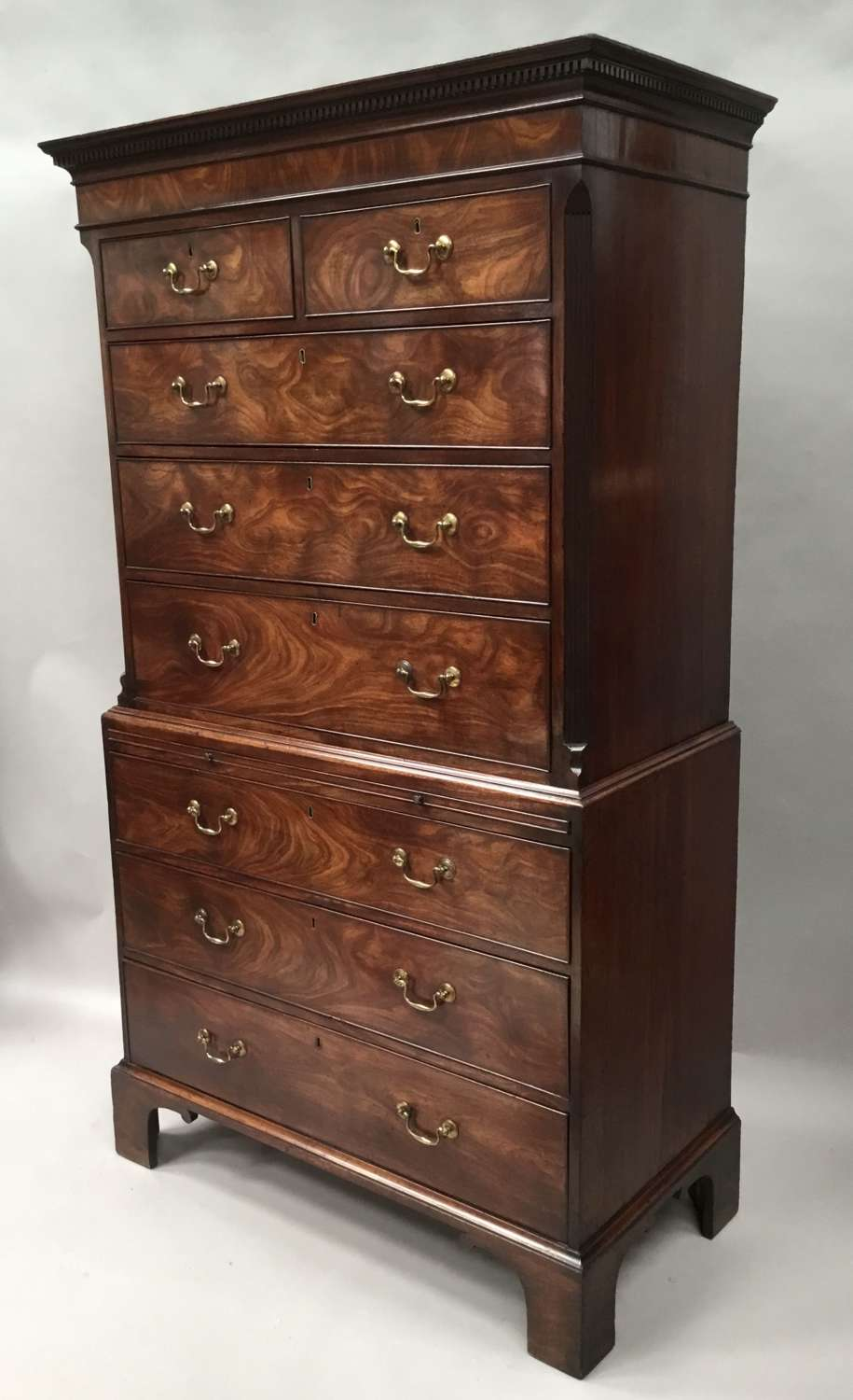 George III mahogany chest on chest / tallboy