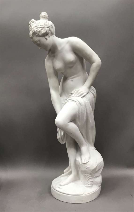 Impressive C19th large marble sculpture of Venus after Bathing